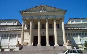Fachada del Museo de Ciencias Naturales de La Plata