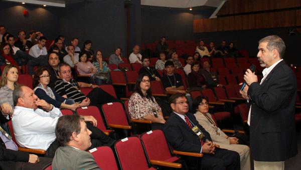 Conferencia inaugural  del Workshop &#8220 Moluscos Límnicolas invasores do Brasil: biologia, prevencao e  controle do Mexilhao Dourado (ANEEL-LECTORBRAS FURNAS-FLE-UFRGS) &#8221. 2012