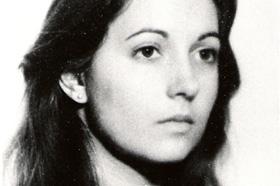 Estudiante de Antropología. Desaparecida el 22/06/1977 a los 20 años. Militante de la Juventud Guevarista (JG).