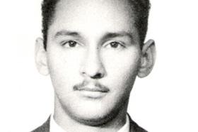 Licenciado en Paleontología. Muerto en combate en 1969 en Bolivia a los 34 años.