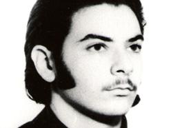 La Plata. Estudiante de Antropología. Desaparecido el 25/02/1978 a los 22 años. Militante del Partido Comunista Marxista Leninista (PCML).