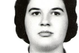 Estudiante de Zoología. Desaparecida el 09/06/1976 a los 35 años.