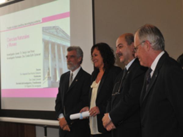 Premio Investigador Formado 2010 -FCNyM- Oyhenart, Evelia